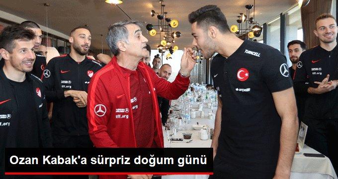 Ozan Kabak a sürpriz doğum günü
