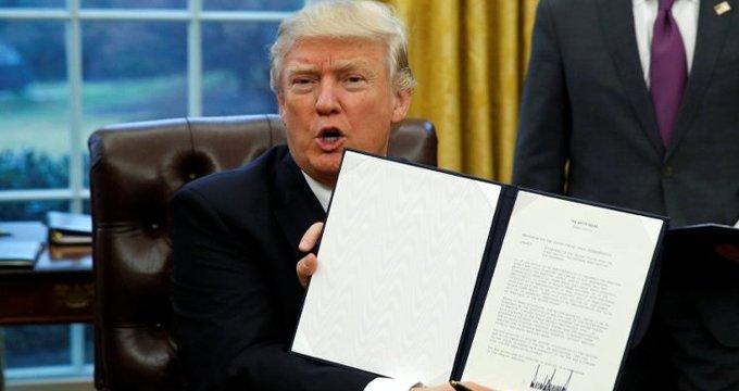 Trump, tüm dünyanın tepkisine rağmen tarihi imzayı attı