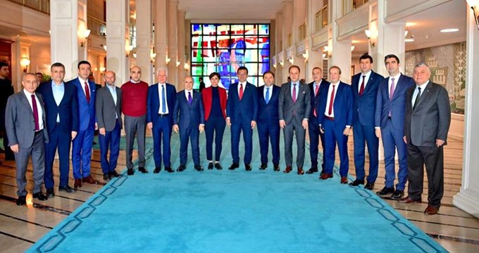 CHP'liler İBB'ye çıkarma yaptı, toplantıya AK Parti detayı damga vurdu