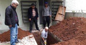 İş adamı vasiyeti üzerine mezarlık yerine bakın nereye gömüldü!