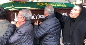 Ölümüyle yıkılmıştı, ünlü şarkıcıdan babasına yürek burkan türkü