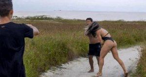 Kadın dövüşçü, kendisini taciz eden adamı böyle dövdü