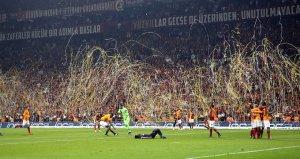 Başakşehir'i 2-1 yenen Galatasaray 2018-2019 sezonu şampiyonu oldu