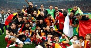 CHP Lideri Kılıçdaroğlundan, Galatasaraya kutlama