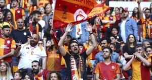 Galatasaraydan Fenerbahçeye Tişört Göndermesi