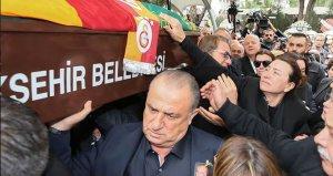 Demet Akbağ, Galatasarayın Şampiyonluk Kutlamalarına Katıldı