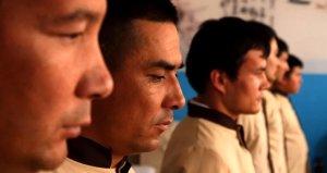 Çin'de Müslüman Uygur Türklerinin tutulduğu kamplara girildi