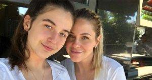 Manken Emine Ün ve kızının benzerliği herkesi şaşırttı