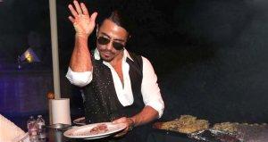 Nusret Gökçenin Yunanistandaki restoranına gitmek isteyenler 20 bin TLyi gözden çıkardı