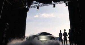 Hollandalı üniversite öğrencileri, 725 kilometre hıza ulaşan ve güneş enerjisiyle çalışan otomobil yaptı