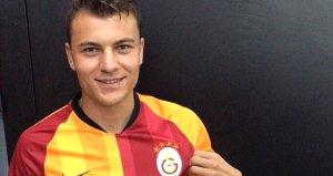 Galatasaray forması giyen Yusuf Erdoğan özür diledi
