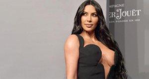 Kim Kardashian, cesur mayokinisiyle tüm dikkatleri üzerine çekti