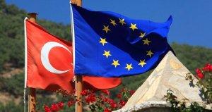AB, Kıbrıstaki faaliyetlerinden dolayı Türkiyeye yönelik yaptırımları onayladı