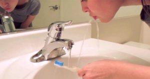 Dişinizi fırçaladıktan sonra sakın suyla çalkalamayın!