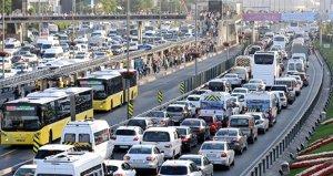 Trafikte kalmak İstanbulluya pahalıya mal oluyor