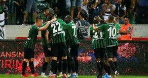 Polis, Denizlispor forması giyen Zeki Yavruyu maç sonunda gözaltına almak istedi!
