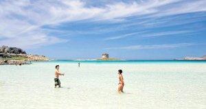 Sardinya Adasından hatıra olsun diye 40 kilo kum alan çift, hapis cezasıyla karşı karşıya