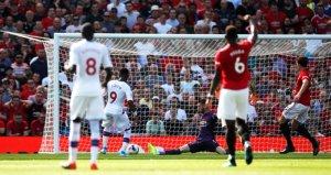 Manchester United evinde Crystal Palacea mağlup oldu