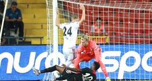Maçın başında kırmızı kart gören Domagoj Vidaya ceza kapıda