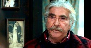 71 yaşındaki Erdal Özyağcılardan mesleki itiraf: Rol gereği öpüşmeyenleri anlamıyorum, ben öpüşürüm!
