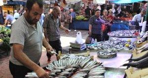 Tezgahta en ucuz balık sardalye