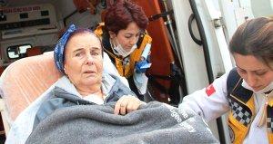 Sağlık Bakanı Fahrettin Koca, hastanede yatan Fatma Giriki ziyaret etti