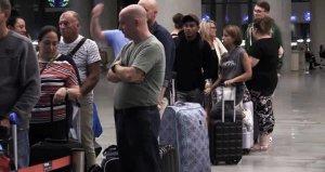 Thomas Cookun iflasının ardından İngiliz turistler için görevlendirilen uçaklar Dalaman Havalimanına geldi