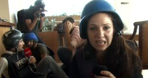Gazetecilerin bulunduğu restorana teröristler art arda saldırdı