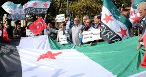 Suriyeliler, harekat için eylem yaptı! İşte atılan sloganlar