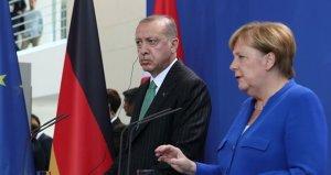 Erdoğan Merkel'e açıkça sordu: Bizden mi yanasınız terör örgütünden mi?