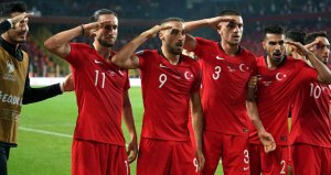 Fransızlardan milli maç öncesi sosyal medyada asker selamı kampanyası: Maç iptal edilsin