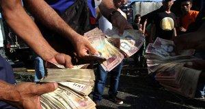 Venezuelada asgari ücretlilerin maaşına yüzde 375 zam yapıldı