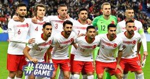 Fransa-Türkiye maçı Fransız basınında geniş yer buldu
