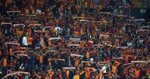 Galatasaraylı taraftarlardan Barış Pınarı Harekatına destek