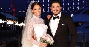 Uğur Akkuş, eşi Ebru Şallıya düğün hediyesi olarak villa verdi