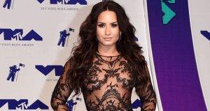 Yıldız şarkıcı Demi Lovatonun internete çıplak fotoğrafları sızdırıldı