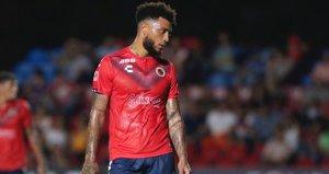 6 aydır maaşını alamayan Colin Kazım ve arkadaşları maçta protesto yaptı, 2 gol yedi