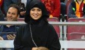Eşinin geldiği maçta Galatasaraylı yıldıza büyük ayıp