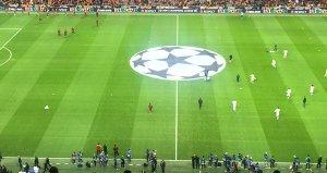 Galatasaray tribününde dikkat çeken pankartlar!