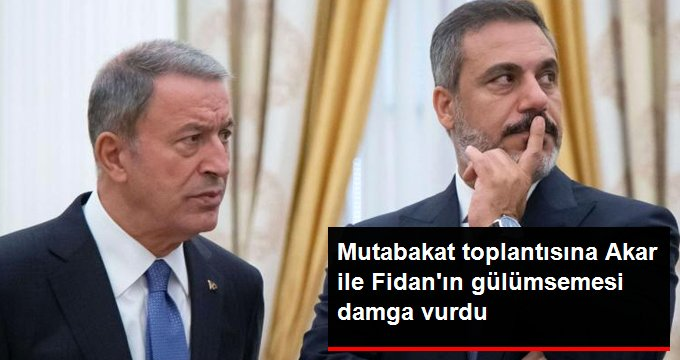 Cumhurbaşkanı Erdoğan ve Putinin bir araya geldiği toplantıya Akar ile Fidanın gülümsemesi damga vurdu