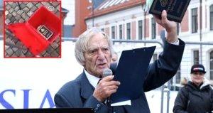 Norveç'te aşırı sağcı grubun lideri, iki adet Kur'an-ı Kerim'i çöpe attı!
