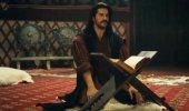 Kuruluş Osman'a damga vuran sahne! Önce Kuran okudu, sonra dua etti