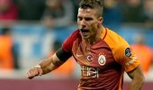 Podolski resmi sözleşmeyi imzaladı! Transferi video ile duyurdular