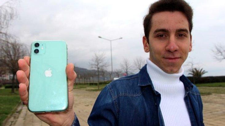 Siri'nin açığını bulan Trabzonlu lise öğrencisi 3 bin doları kaptı