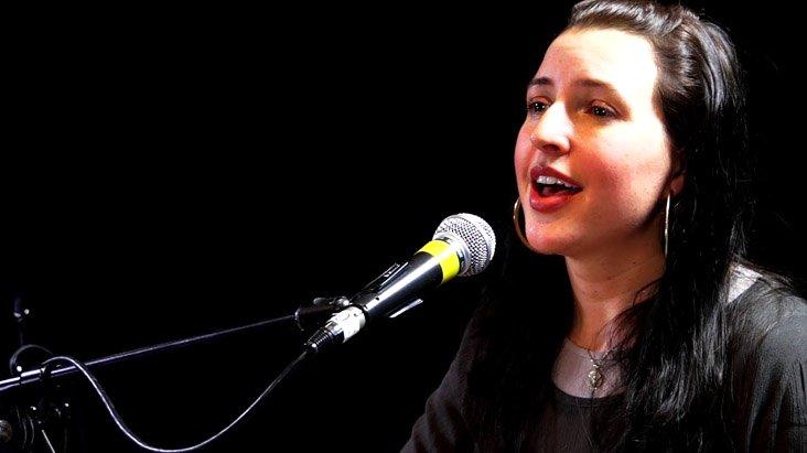 Ayet-el Kürsi'yi okuyan ABD'li şarkıcı, tüyleri diken diken etti