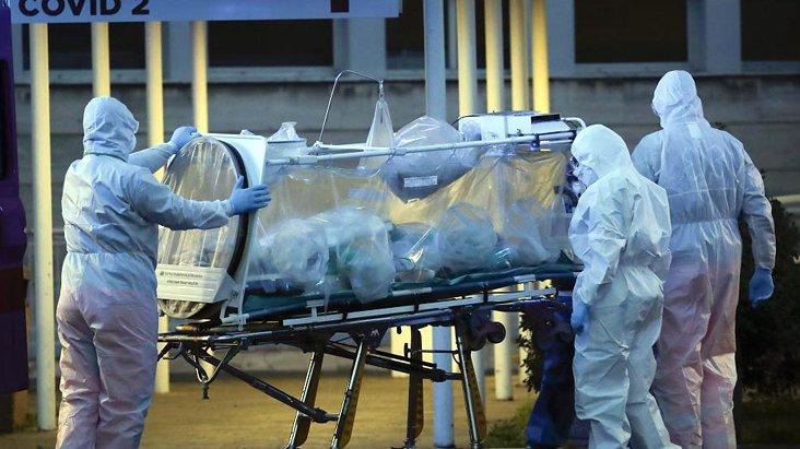 Durumun kontrolden çıktığı İtalya'da 46 doktor hayatını kaybetti