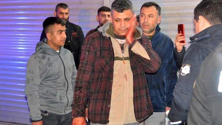 Hırsızlık yaparken yakalanan şahıs, dükkan sahibini bıçakladı
