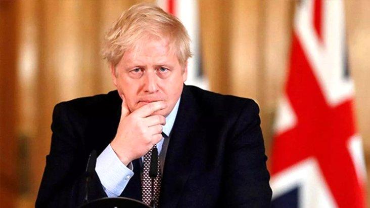 Karantinadaki İngiltere Başbakanı Boris Johnson hastaneye kaldırıldı