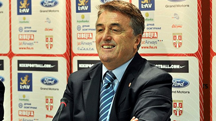 Bir dönem Barça'yı da çalıştıran F.Bahçe'nin eski oyuncusu vefat etti