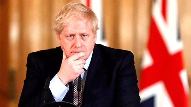 İngiltere Başbakanı Johnson, koronavirüs nedeniyle hastaneye kaldırıldı